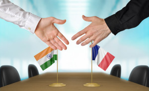 41070709 - india and france diplomats agreeing on a deal
